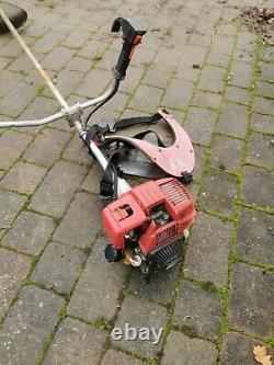 Honda UMK 422 4-Stroke Petrol Brush Cutter Strimmer