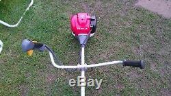 Honda UMK 435 E 4-Stroke OHC petrol strimmer c/w harness