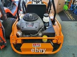 As Motor 915 Enduro Ride Sur La Machine D'affichage Brushcutter Mower Ex
